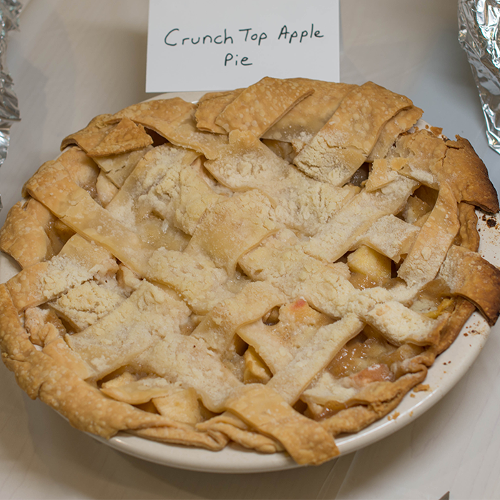 Crunch top apple pie